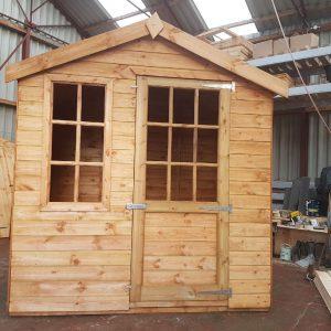 Simple-summer-house